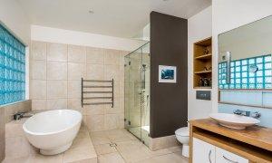 Serene Myocum - Byron Bay - Ensuite Bathroom