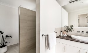 Shore Beats Work - Byron Bay - Bathroom Ensuite b