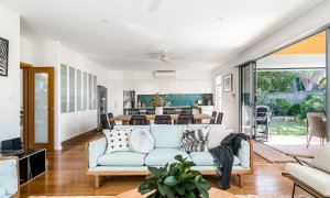 Shore Beats Work - Byron Bay - Living Room d