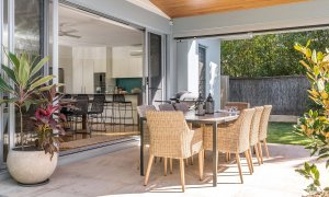 Shore Beats Work - Byron Bay - Outdoor Entertaining b