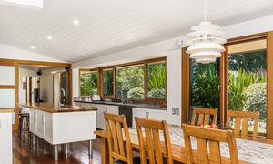 Stone and Grove - Byron Bay - Ewingsdale - kitchen and dining