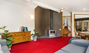Stone and Grove - Byron Bay - Ewingsdale - family room with fireplace