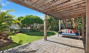 The Hawk - Wategos Byron Bay - Outdoor Living Area Downstairs b