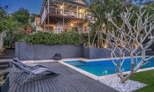 The Lazy Leprechaun - Byron Bay - Pool Deck and Rear Exterior