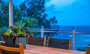 The Palms at Byron - Wategos Beach - Byron Bay - Outdoor setting to dine afresco