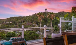 The Palms at Byron - Wategos Beach - Byron Bay - View of lighthouse at dusk