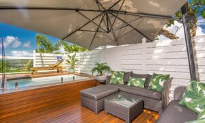 The Palms at Byron - Wategos Beach - Byron Bay - Outdoor setting and plunge pool