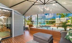 The Palms at Byron - Wategos Beach - Byron Bay - Outdoor umbrella