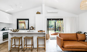 Three Salty Sisters - Byron Bay - Kitchen and Lounge