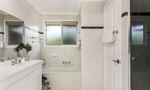 Tradewinds 4 - Clarkes - Bathroom
