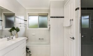 Tradewinds 4 - Clarkes - Bathroom