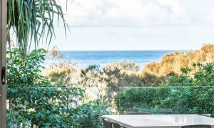 Vue From Here - Byron Bay - Balcony View b