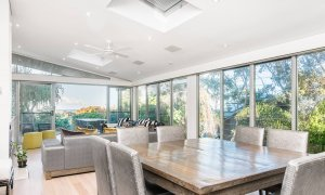 Vue From Here - Byron Bay - Dining To Living c