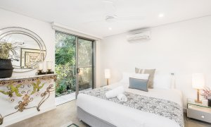 Vue From Here - Byron Bay - Master Bedroom a