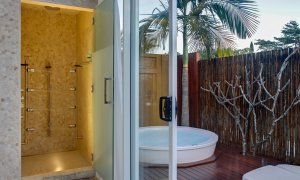 Byron Highlander Estate - Shower