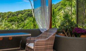 Wategos Retreats - Wategos Beach - Byron Bay - Studio balcony and bush views