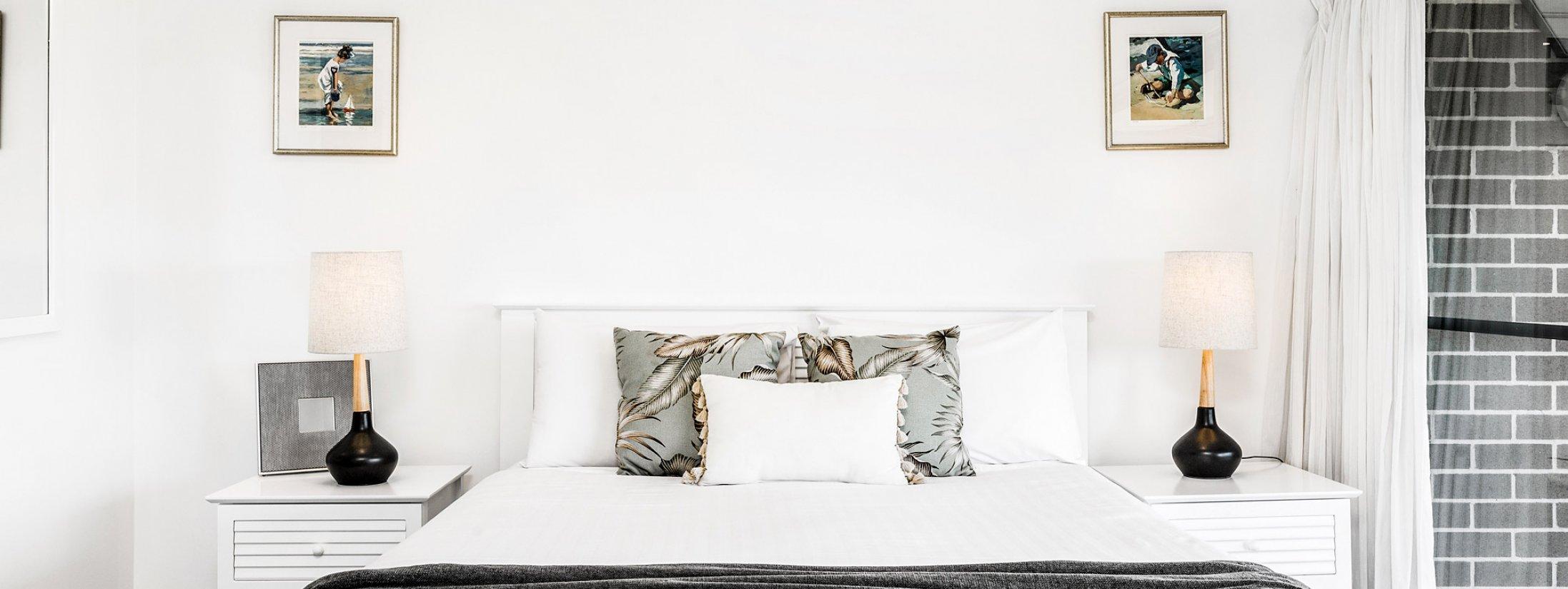 11 James Cook - Byron Bay - Master Bedroom Bed