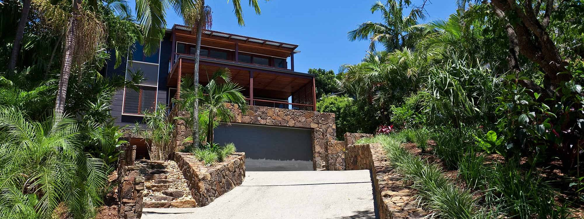 Ayana Byron Bay - driveway to house