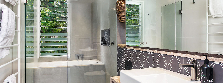 Ayindi - bathroom ground floor