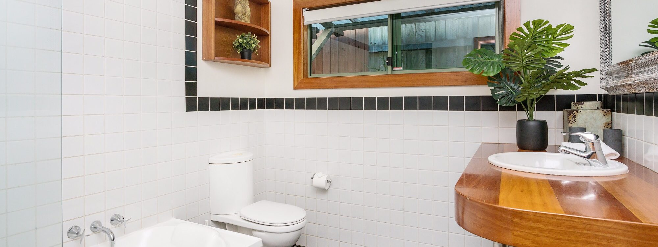 3 Little Pigs - bathroom