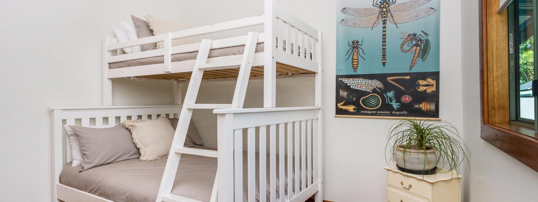 3 Little Pigs - bunk room