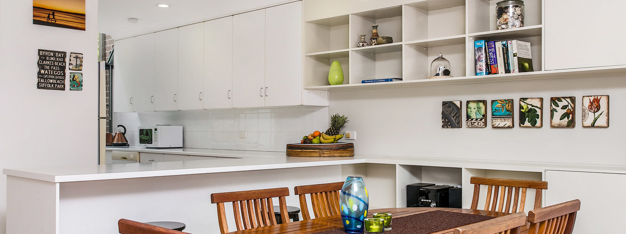 7 James Cook Apartment - Dining
