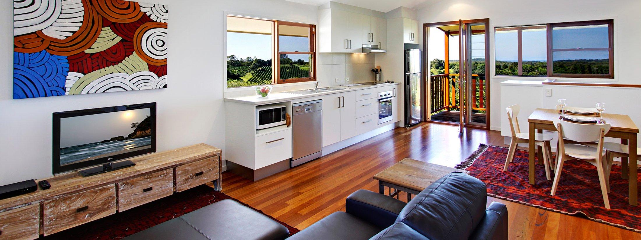 Aloha Ohana - Byron Bay - Living Kitchen and Dining
