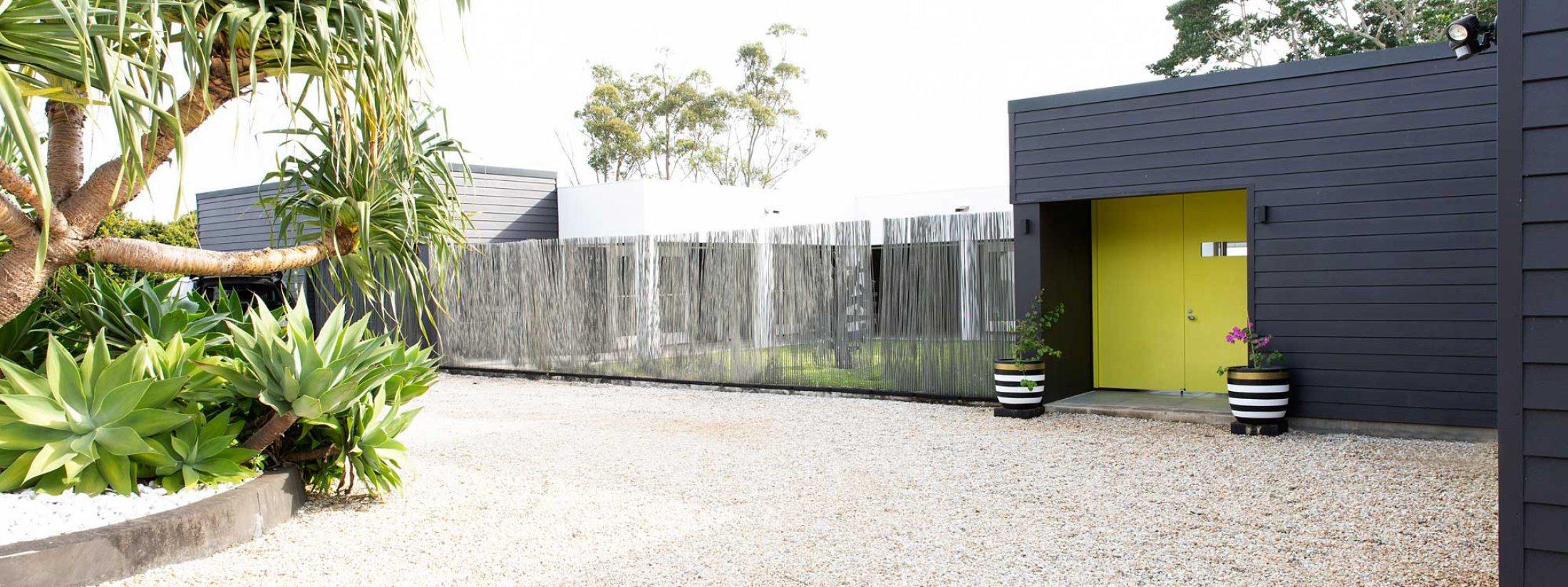 Amileka - Byron Bay Hinterland - Driveway and Entrance b
