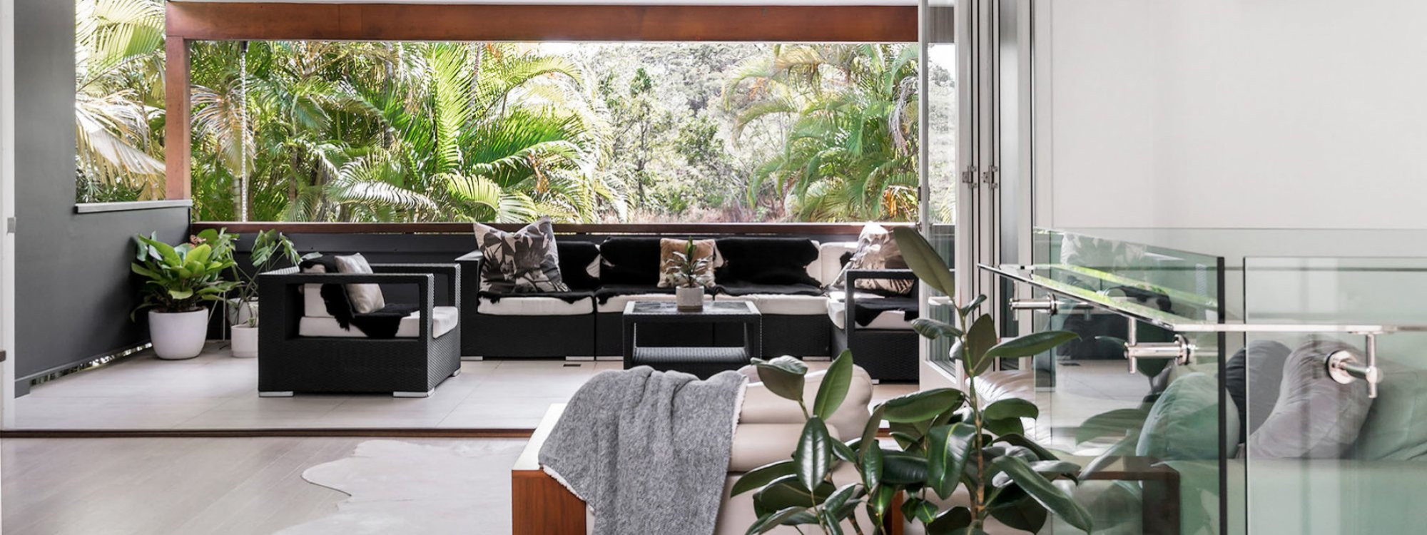 Arya - Byron Bay - Lounge and Outdoor Setting