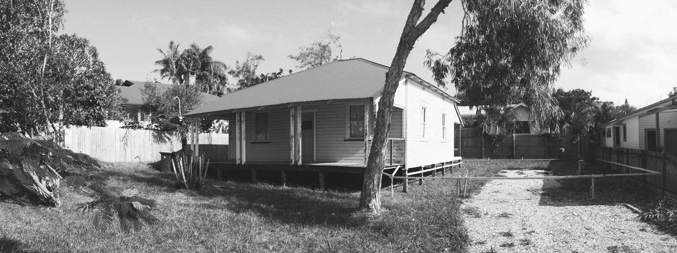 Bacchus - Byron Bay - Front of old cottage