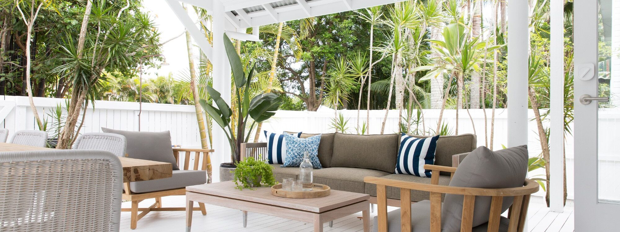 Barrel and Branch - Byron Bay - spacious outdoor deck area