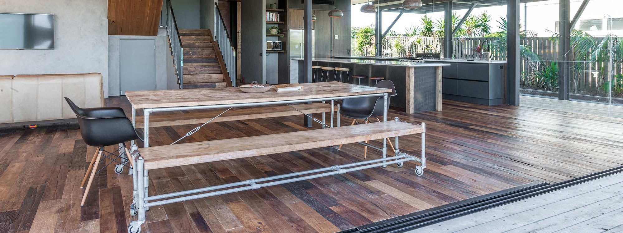 Beach Box - Byron Bay - Open Plan Living and Dining