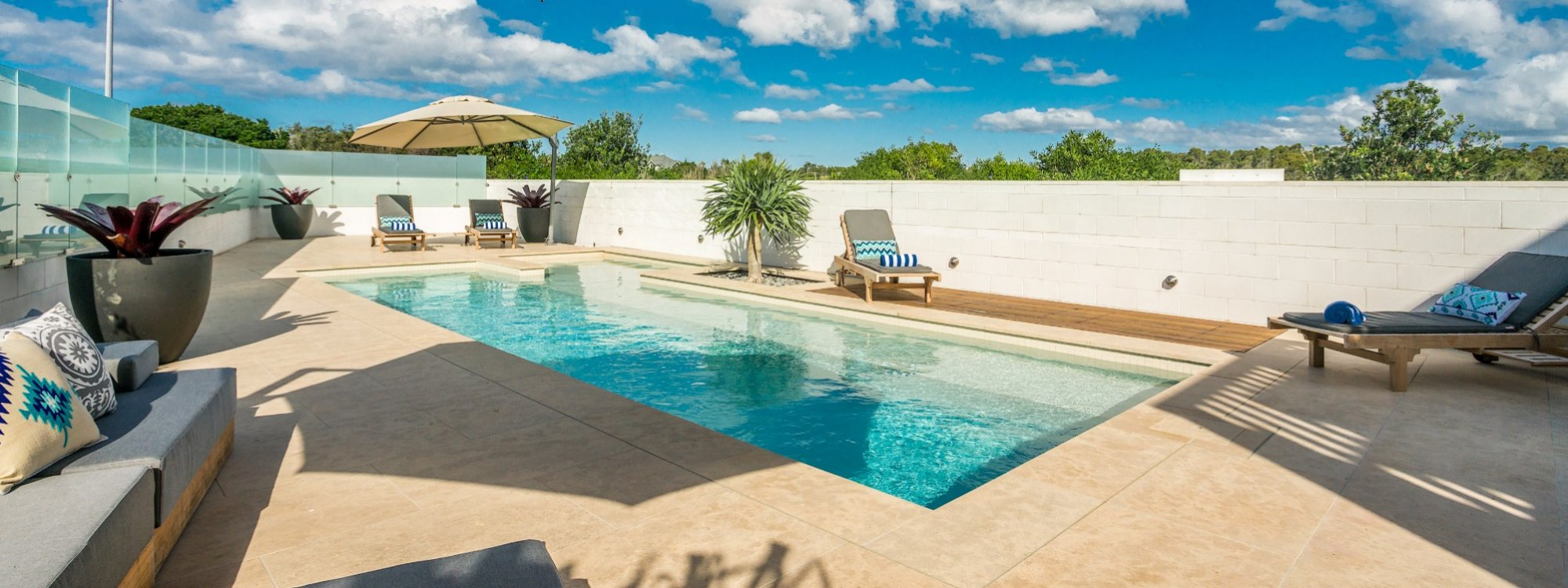 Bluewater House large heated pool