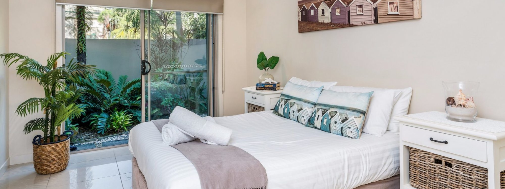 Byron Beach Style - Byron Bay - Downstairs Double Bedroom
