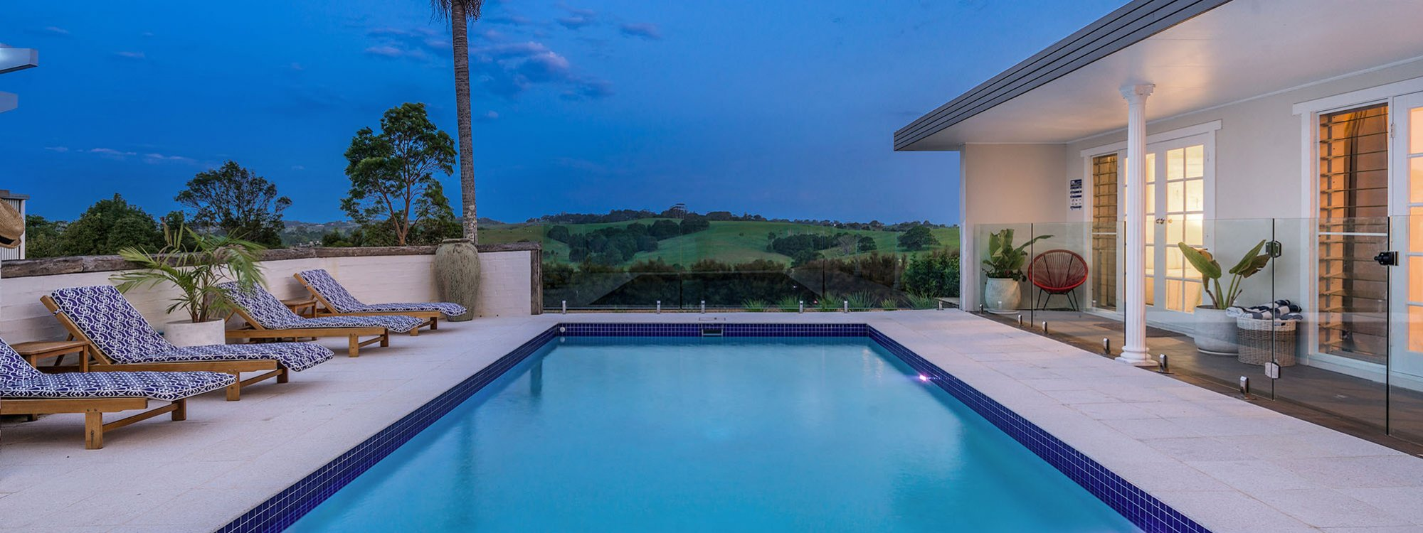 Byron Hills Hinterland Retreat - Byron Bay - Pool at Dusk b