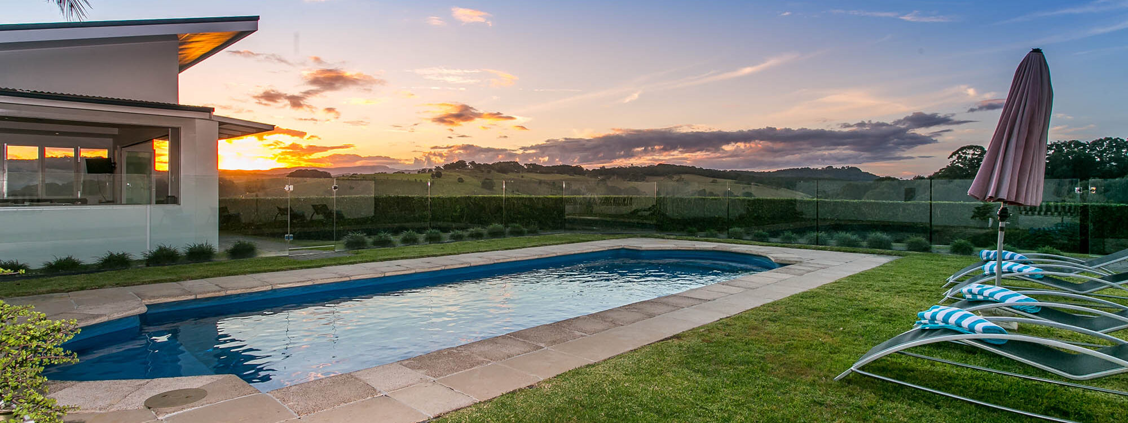 Byrons Brae - Byron Bay - Pool and Cabana f