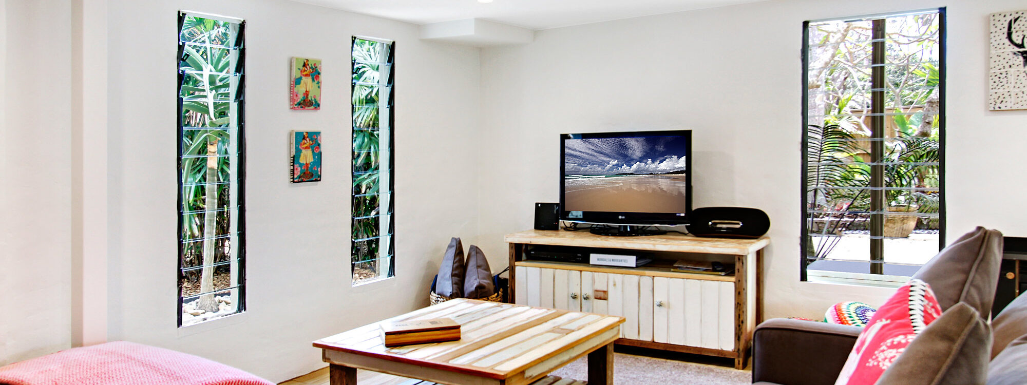 Jimmy's Beach House - Living Area