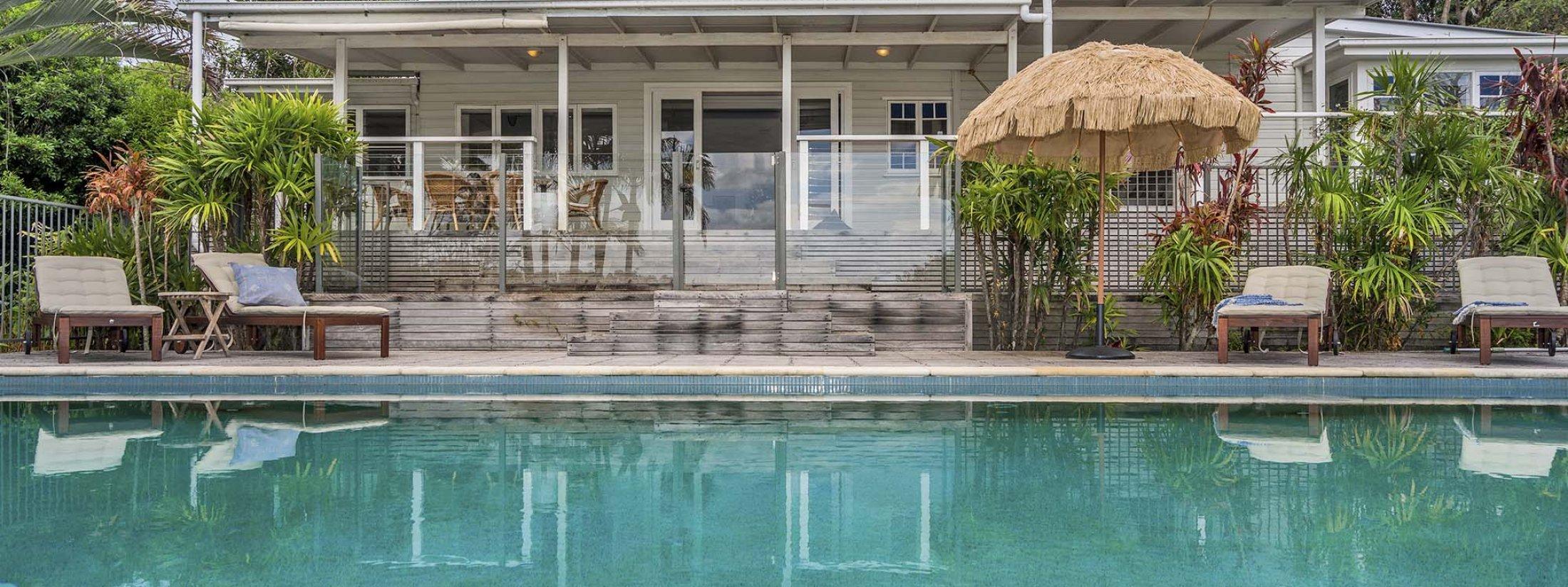 Casa Luminosa - Byron Bay - Pool and Back of House