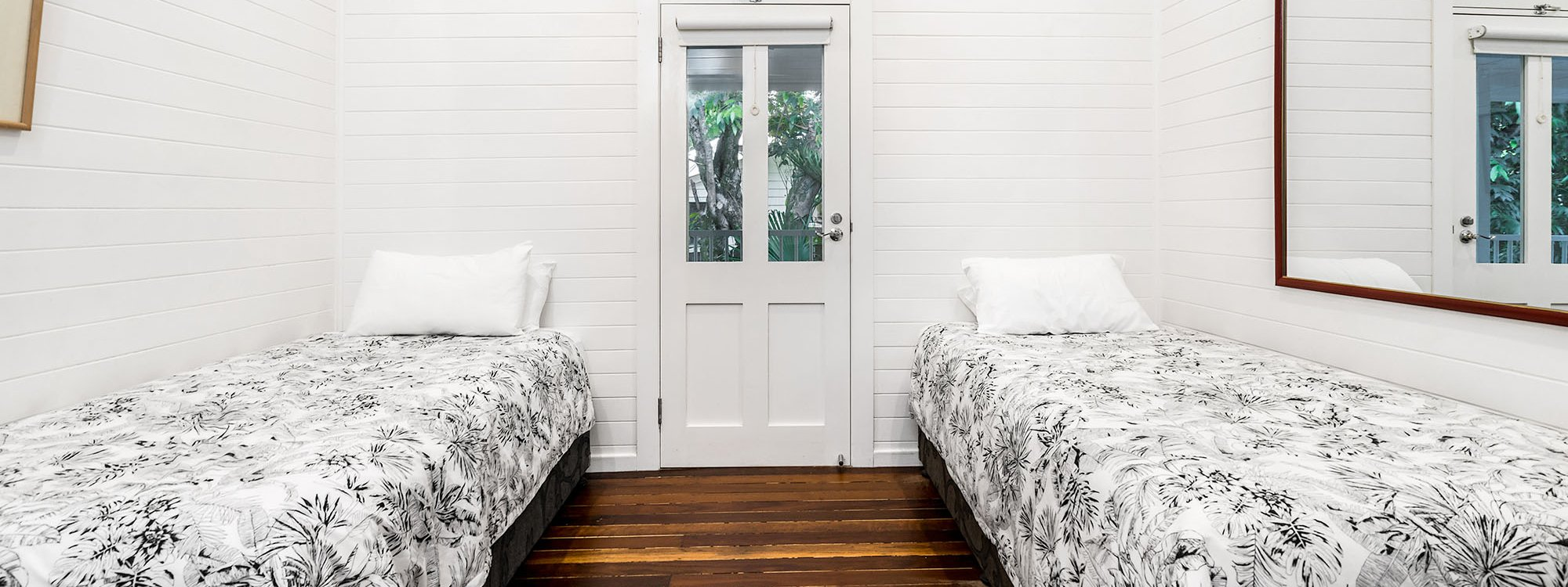 Cavvanbah Seaside Cottage - Byron Bay - Bedroom 3