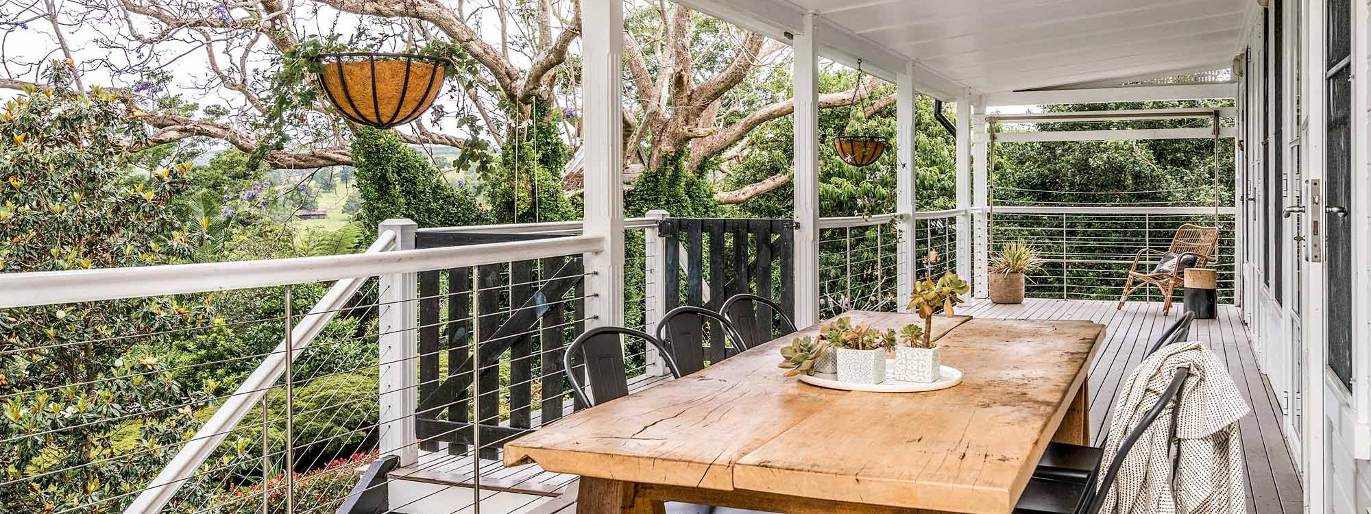 Charlottes Web - Byron Bay - Back Deck
