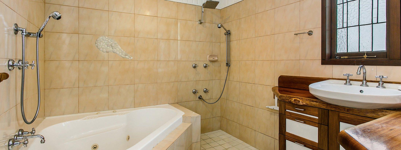 Sweethaven - Bathroom