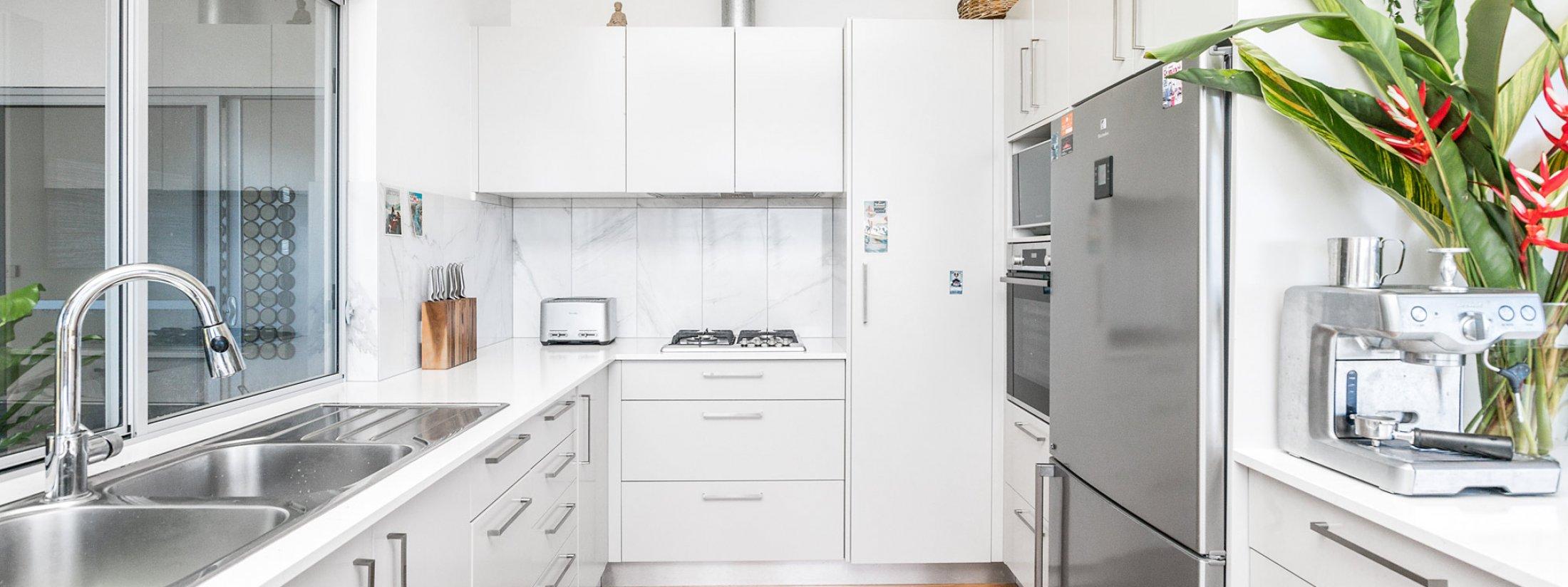 Jali Burugar - Byron Bay - Kitchen b