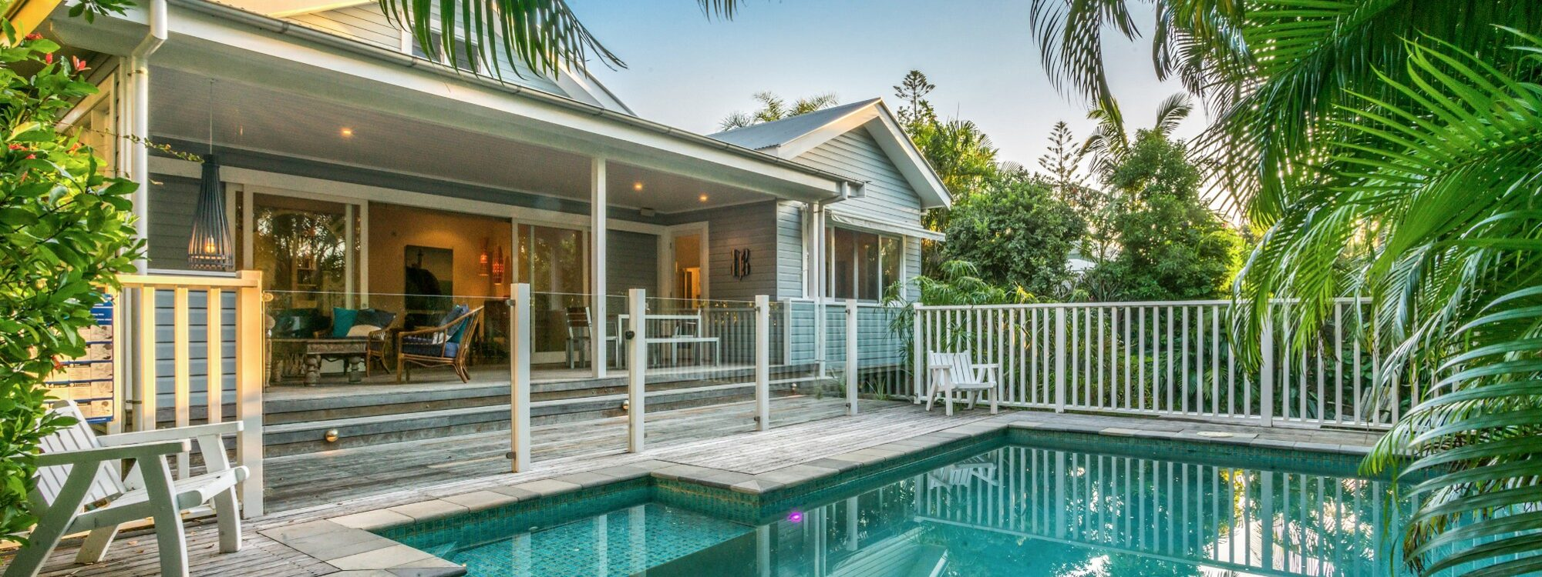 Kia Ora - Byron Bay - Pool and House