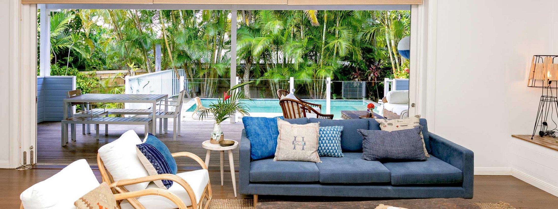 Kia Ora - Byron Bay - Lounge to outdoor deck