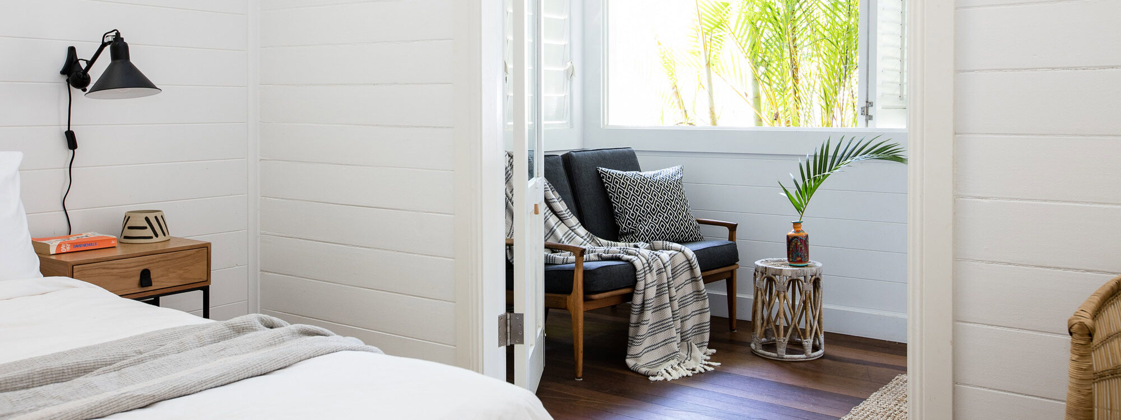Kia Ora - Byron Bay - Master Bedroom through to enclosed sitting area