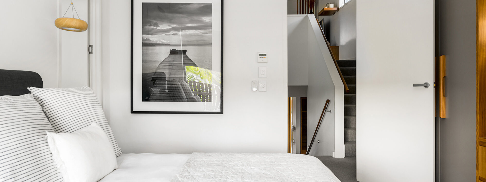 Kokos Beach Houses - Byron Bay - Master bedroom on Landing f