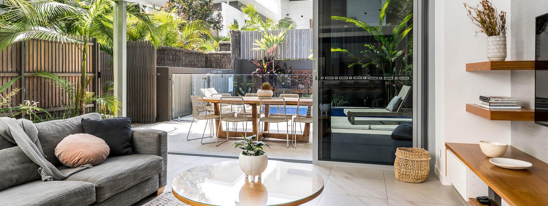 Kokos Beach House 2 - Byron Bay - Lounge and Outdoor
