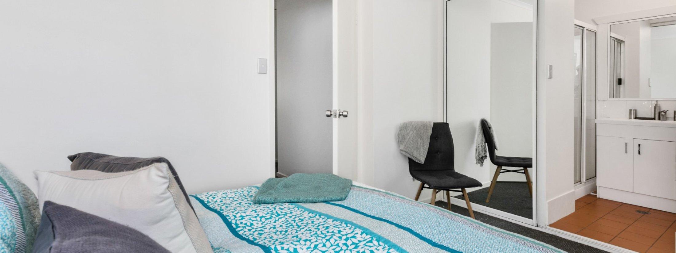 Mahogany Lodge - Byron Bay - master bedroom