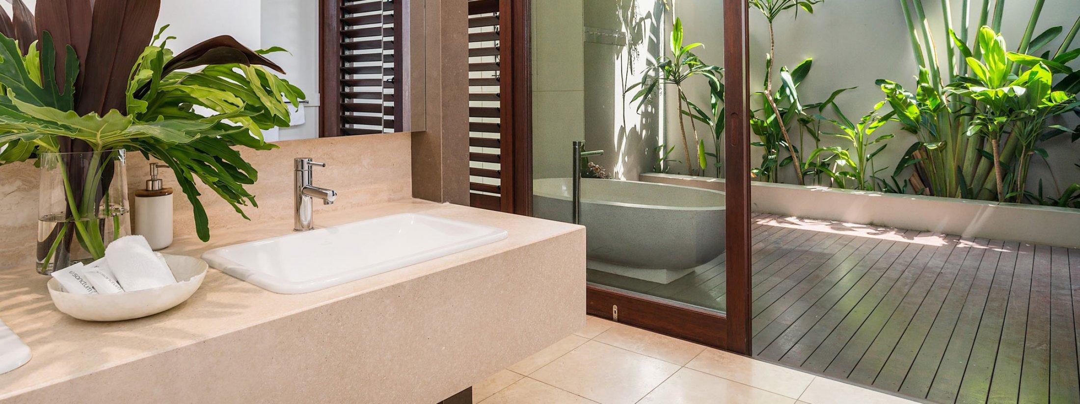 Pavilion 2 - Broken Head - Master Bedroom ensuite with outdoor bathtub
