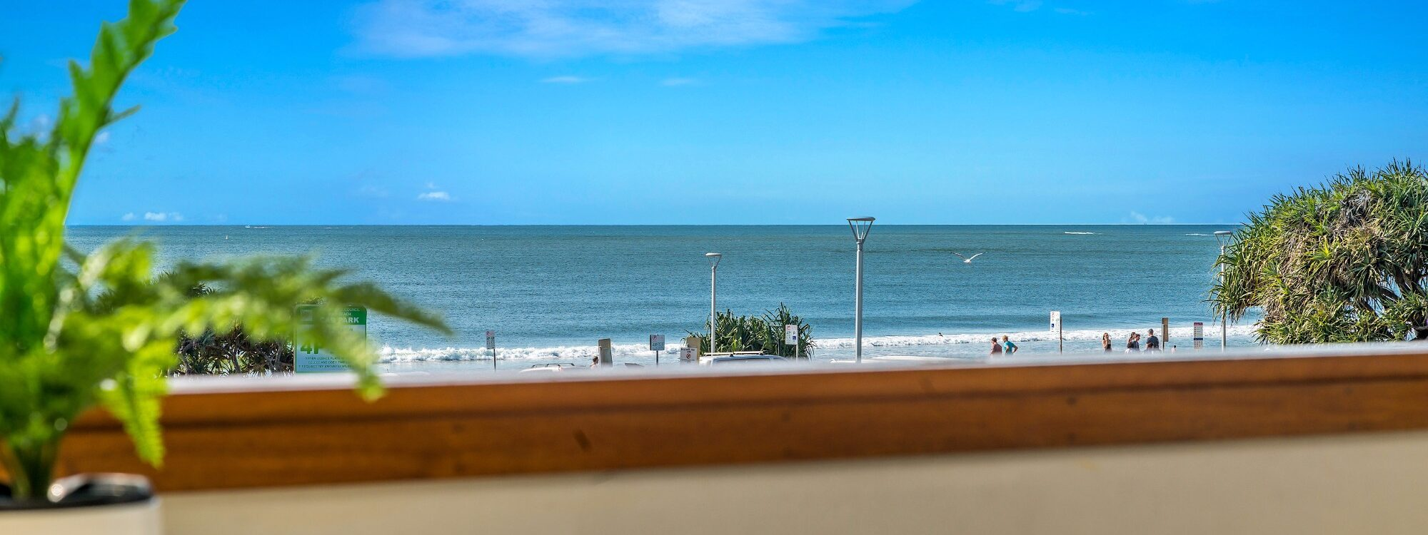 Quiksilver Apartments - The Pass - morning view
